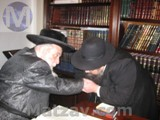 rav-yecheskel-roth-in-lakewood