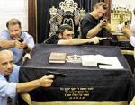 rabbis-guns-small