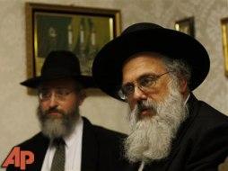 L-R: Rav Aharon Sorscher and Rav Moshe Rabinowitz.