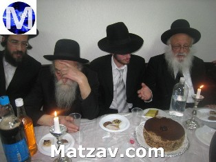 L-R: Rav Velvel Soloveichik, Rav Dovid Soloveichik, the chosson, Eli Moshe Saks, and Rav Berel Povarsky.