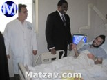 kevin-parker-with-shomrim-heroes-small
