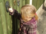 kid-knocking-on-door