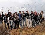 palestinians-fence-border