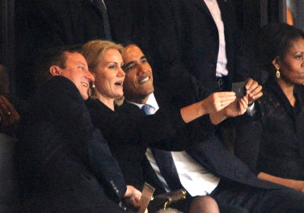 obama-selfie-funeral-mandela