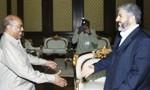hamas-chief-khaled-mashaal-meets-with-sudanese-president-omar-al-bashir1