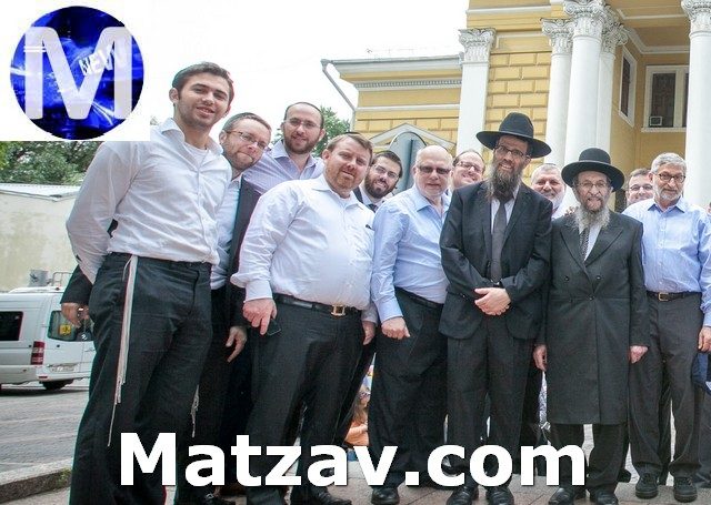 in front of the central Archipova shul