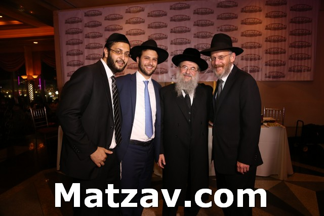 (L-R) Yaniv Meirov from Chazaq, Rabbinic leadership awardee Rav Yitzchok Oelbaum along with his father Rav Noach Isaac Oelbaum and father-in-law Rav Avraham Lefkowitz