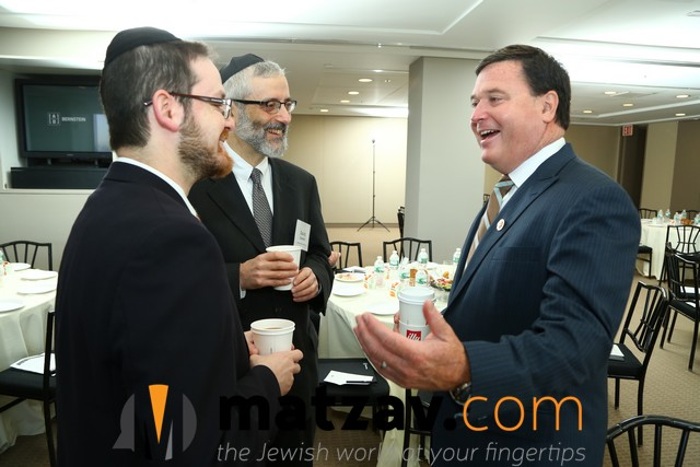 Rabbi Zwiebel Rabbi Motzen and Congressman Rokita