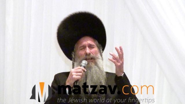 Watch: Mordechai Ben David and Uziya Tzadok Sing Yonatan Razel's 'Vehi She'amda' in Vegas This Chol Hamoed