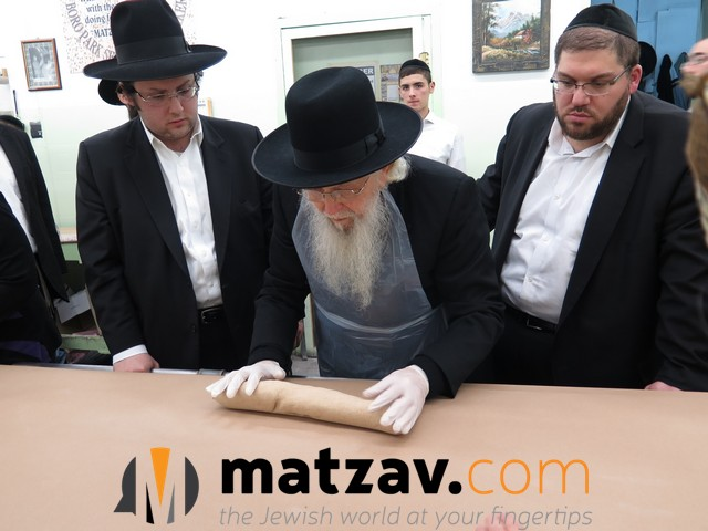 rav aharon schechter (1)