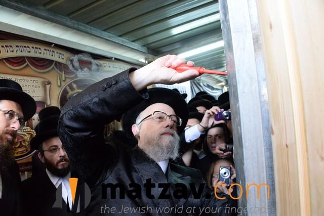 Seret-Viznitzer Rebbe, Rav Yaakov Hager (4)