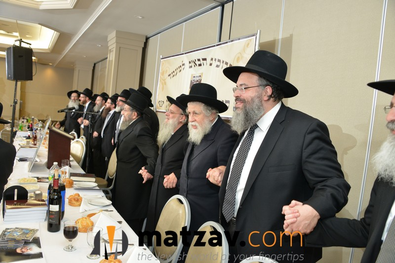 festive-dancing-on-the-dais-at-the-bmg-chaburas-dirshu-siyum-hashas-a