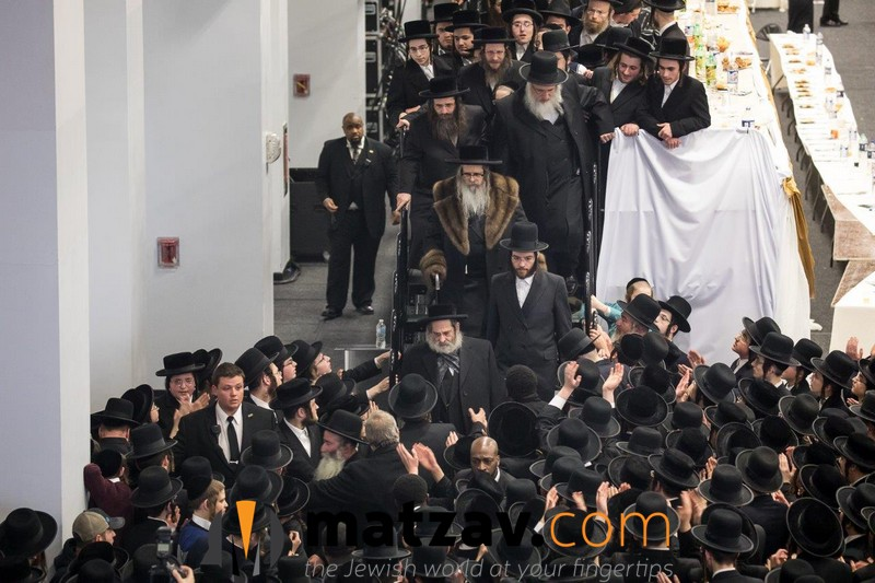 12-rebbe-going-home-1