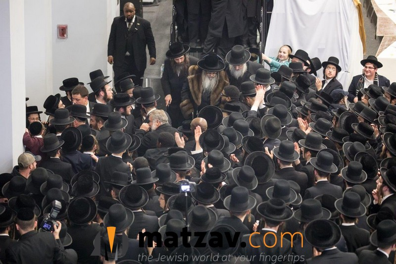 12-rebbe-going-home-2