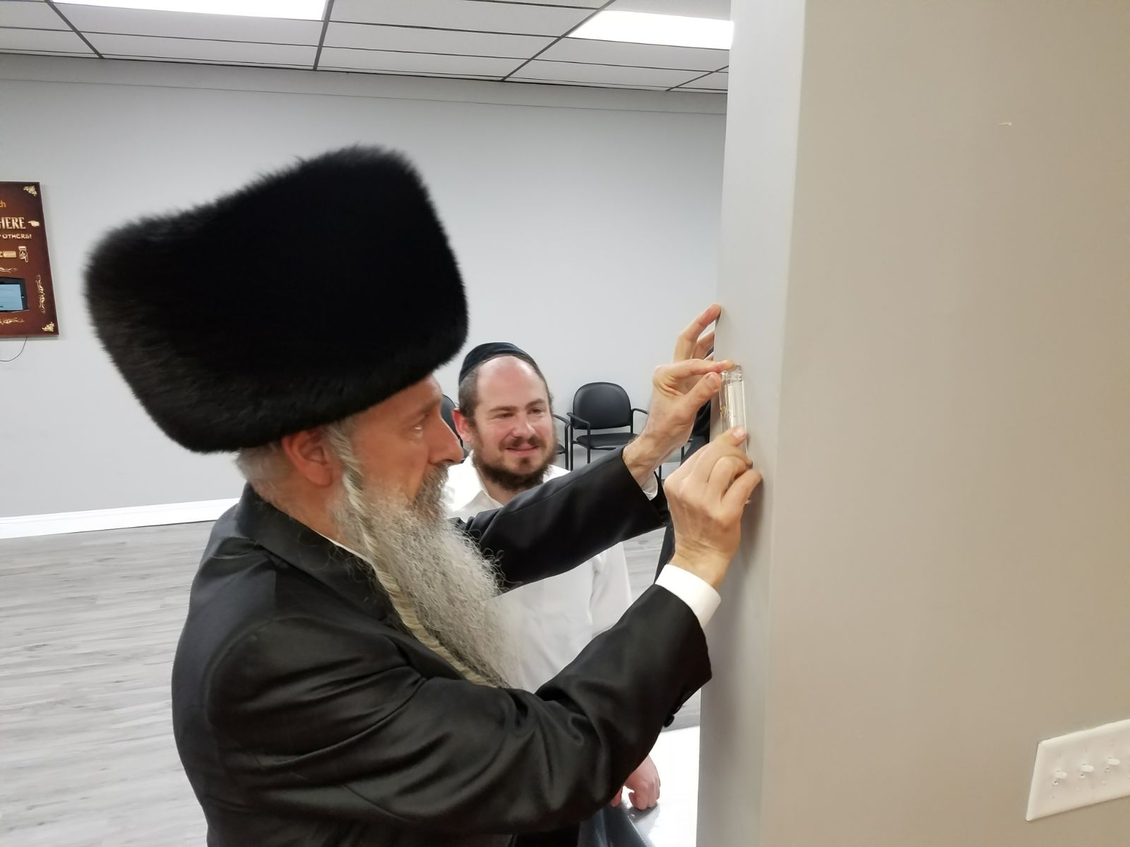 Photos: Mordechai Ben David Visiting the Misameach Family Center in Lakewood