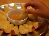 apple-in-honey