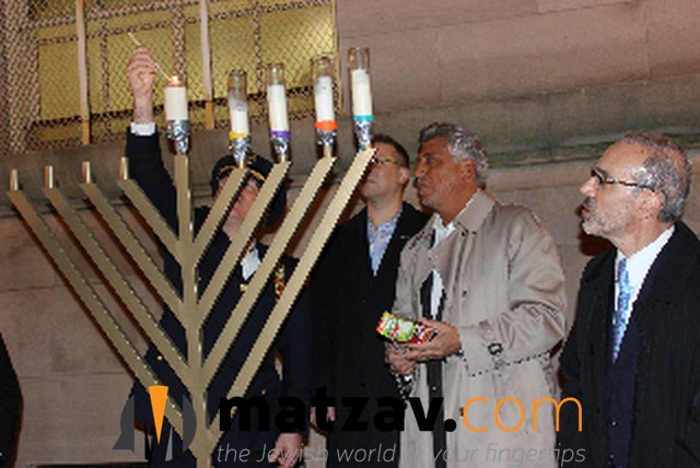 This Chanukah The City Of Staten Island Was Fortunate Enough To Experience Two Large Candle Lightings Sponsored By Cojo